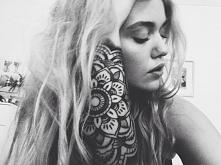 black&white tattoo