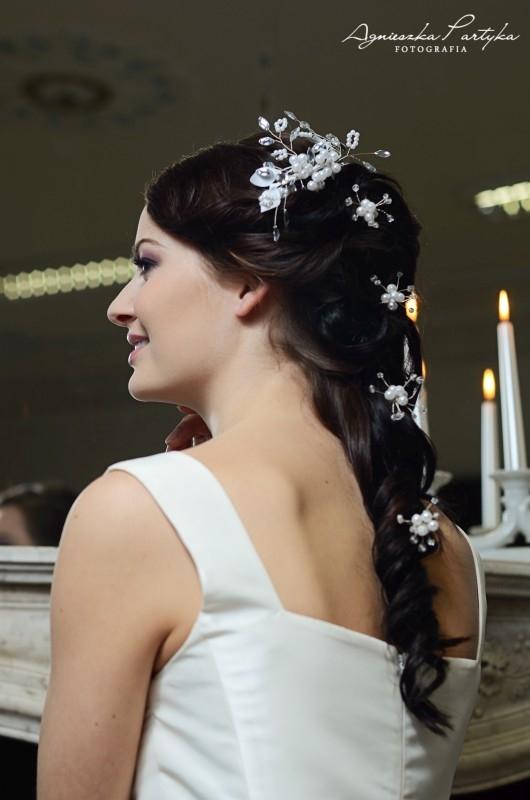 Ozdoby do fryzury ślubnej z perełkami, z kolekcji Decoris & Art.