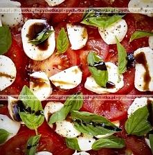 Sałatka z pomidorów i mozza...