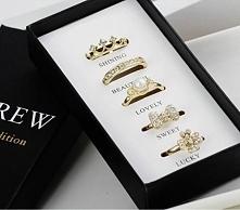 Zestaw pierścionków, 5 różn...
