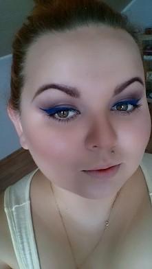 Małe szaleństwo, niebieska kreska wykonana pigmentem z Kobo połączonym z dura...