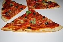 pizza na cienkim cieście z ...