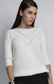 MKM SWE041 sweter ecru Elegancki sweter damski, na biuście ażurowa wstawka, o...