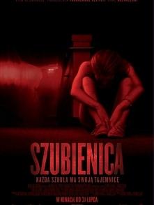 """Horror (2015) """"Szubienica""""  Uczniowie postanawiają wystawić sztukę, podczas której 20 lat wcześniej doszło do nieszczęśliwego wypadku. Szybko dowiadują się, że pewne r..."""