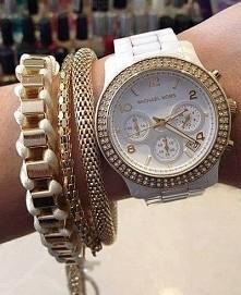 biały zegarek ‹3