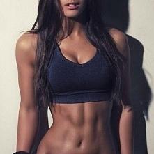 """od dzis za 3 miesiace to bedzie moje cialo!!!!!! oh yeah """"forget skinny!! I train to be a fit badass!!!!!"""""""