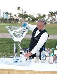 rzeźba lodowa - super atrakcja, trzyma 'formę' kilkanaście godzin