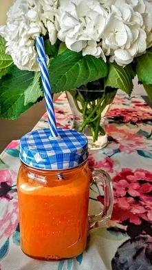 Szklanka zdrowia: sok marchewkowo-gruszkowy