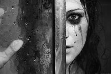 Ta bezsilność mnie przeraża.  Ta naiwność mnie osłabia. Ta wrażliwość mnie wykańcza. Ta głupota mnie zabija.
