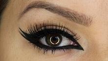 a Wy? malujecie się eyelinerem? opanowałyście prostą kreskę?? :))  ja już tak...
