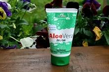 Żel aloesowy GorVita - używam go od prawie trzech miesięcy i uważam, że jest genialny. Delikatnie nawilża skórę, łagodzi podrażnienia (np po goleniu), przyspiesza gojenie niedos...