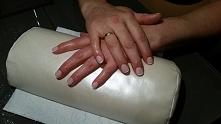 paznokcie hybrydowe na naturalnej płytce.