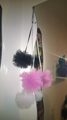Pompony z tiulu :)