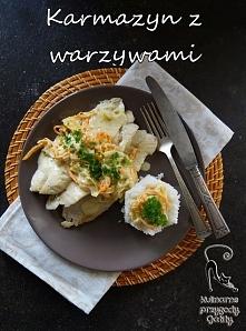 Karmazyn z warzywami w sosie winno-śmietanowym