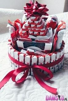 świetny pomysł na prezent.. jesz co najmniej 2 miesiące :D
