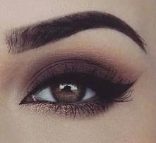 Idealne brwi oraz pięknie podkreślone oko!