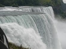 Wodospad Niagara od strony USA. Fotografia z kategorii podróże i krajobrazy.
