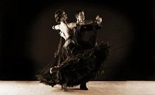 NA CZYM POLEGA FENOMEN TANGA?  Tango to taniec przeniknięty namiętnością, ero...