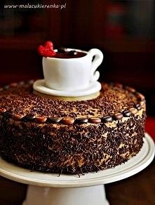 Tort czekoladowy z kawą i dżemem