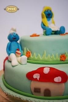 Jeden z naszych tortów dla dzieci :) Z smerfami :)
