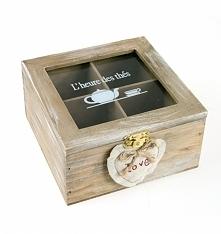 Pudełko drewniane małe z przegródkami do herbaty. Pudełko w kolorze brązowym ...