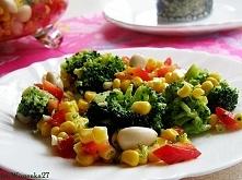 salatka jako dodatek moze byc z sosem czosnkowym