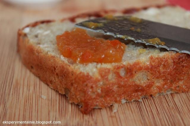 Domowy chleb z prażonymi płatkami owsianymi