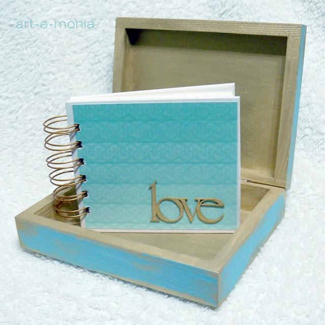 mini album w pudełku