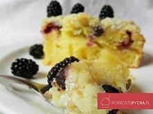 Niesamowicie proste ucierane ciasto z jeżynami i porzeczkami! :) Przepis krok...