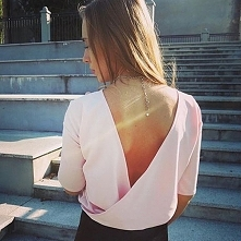 Seksowna i subtelna bluzecz...