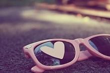 ,, załóż różowe okulary, a ...