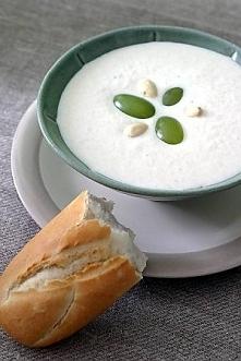 ZUPA MIGDAŁOWA  Składniki: 15 dag migdałów 4 szklanki mleka szczypta cukru 1 ...