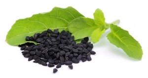 Czarnuszka - roślina wywodząca się z krajów Europy południowej i Azji Zachodniej. To ziele znajduje zastosowanie w leczeniu takich dolegliwości jak:  - działanie przeciwzapalne, - wzmacnia układ immunologiczny, - poprawia niedokrwistość, - wskazane dla osób cierpiących na astmę i alergię.