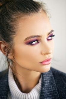Może warto ocieplić jesienny makijaż kolorem? :)
