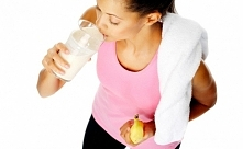 CO JEŚĆ ❤️ PO TRENINGU ?  Intensywny trening pozbawia nasz organizm wielu składników odżywczych, tracimy energię, a nasze mięśnie potrzebują się zregenerować.   W takim razie co...