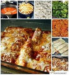 Składniki: 6 średnich tortilli gotowych  1 1/2 szklanki mięsa z kurczaka, upieczonego i pokrojonego na małe kawałki 1 1/2 szklanki miksu serów: mozzarelli i cheddara, startych n...