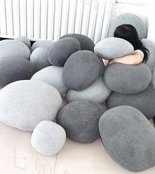 Poduszki kamienie