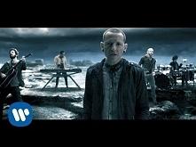 Linkin Park - CASTLE OF GLASS (Official Video) Piękna tylko jeszcze nie jestem pewna co słuchając jej czuje...