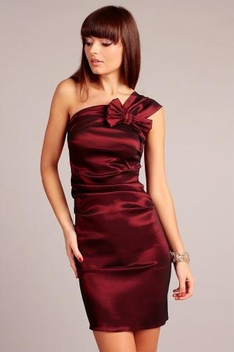 Bordowa elegancka sukienka na ramiączka z kokardką