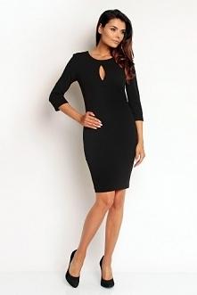 Dopasowana sukienka w czarnym kolorze