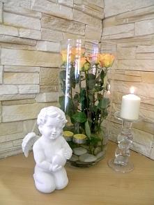 Duży wazon, trochę wody, kamienie, świeczki i kwiaty :) Jak prosto, a jak ele...