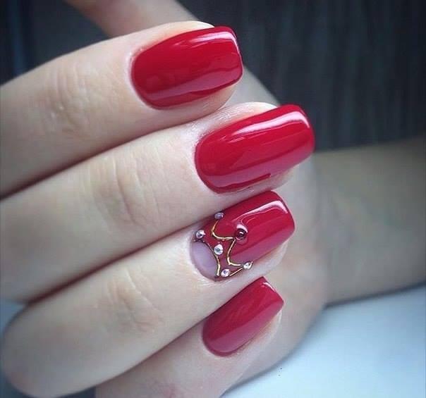 królewskie paznokcie