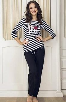 Esotiq Dotty 33536-99X piżama czarna Wygodna i modna propozycja, bluzeczka z długim rękawem, marynarskie paski