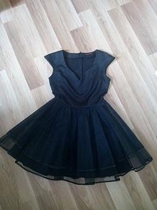 sprzedam, bez wad, piękna rozkloszowana sukienka balowa, studniówkowa, wieczorowa:)