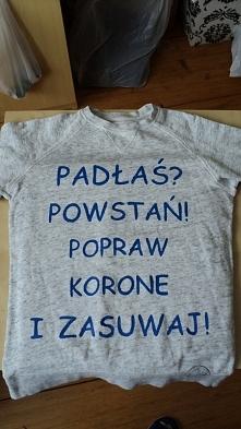 """bluza z napisem """"Padła..."""