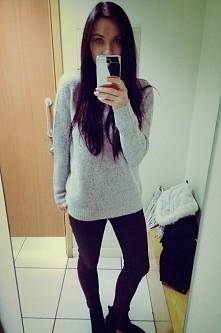 Szary ciepły sweterek <3