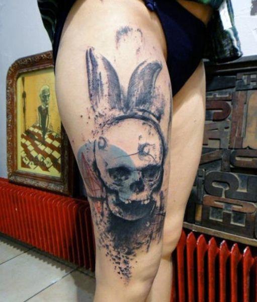 Tatuaże Damskie Na Udzie Czaszka Na Tatuaże Zszywkapl