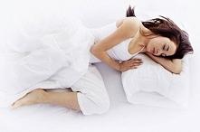 Poznaj powód, dla którego zawsze powinieneś spać na lewym boku