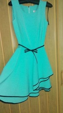 Witam, Mam na sprzedaż śliczną mietową rozkloszowaną sukienkę. Raz założona. Wyprana w pralni! Długość sukienki to 85 cm ;) Rozmiar: 36/S  Cena: 60zł.  Polecam!