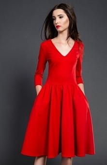 Kasia Miciak rozkloszowana midi sukienka czerwona Przepiękna sukienka, uszyta...